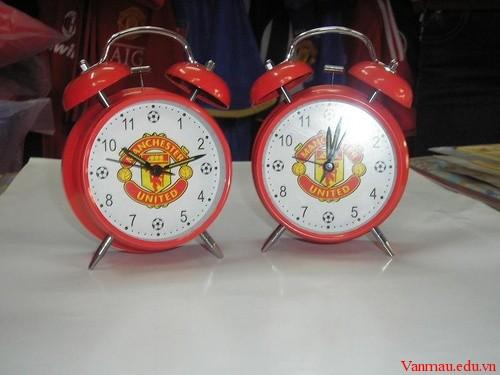 Tả chiếc đồng hồ báo thức