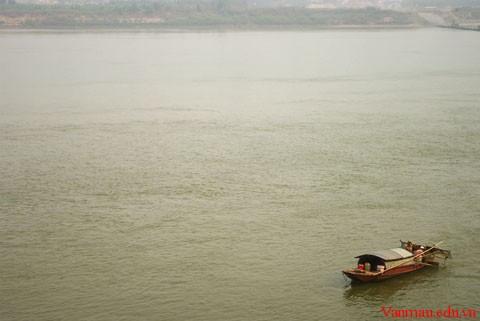7g - Phân tích vẻ đẹp cổ điển mà hiện đại trong bài thơ Tràng Giang của Huy Cận