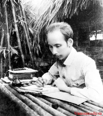 images5 - Phân tích bài thơ Lai Tân của Hồ Chí Minh