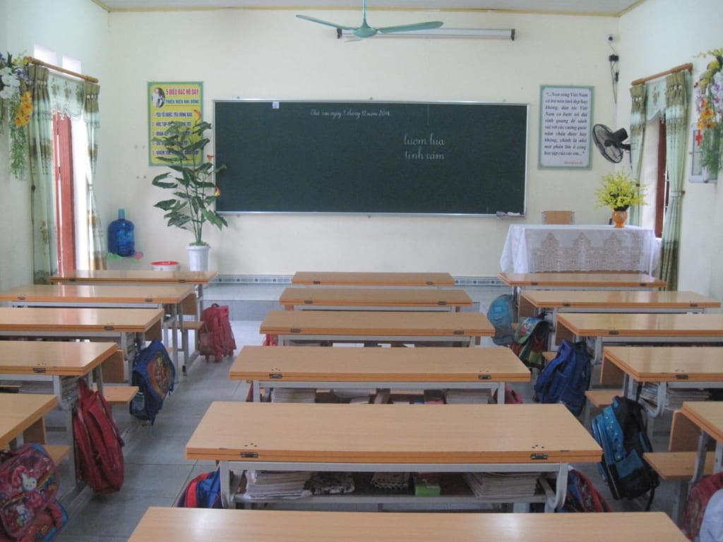 IMG 3326 1024x768 2 - Tả chiếc bàn học ở trường của em