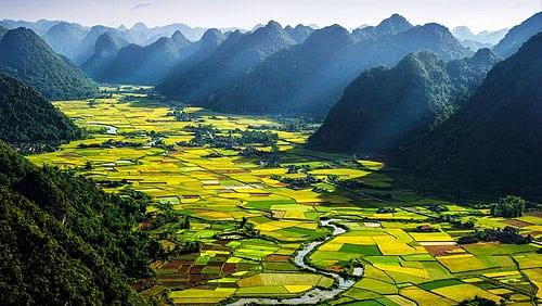 phan tich bai tho dat nuoc - Phân tích bài thơ Đất nước của Nguyễn Khoa Điềm (Có dàn ý chi tiết)