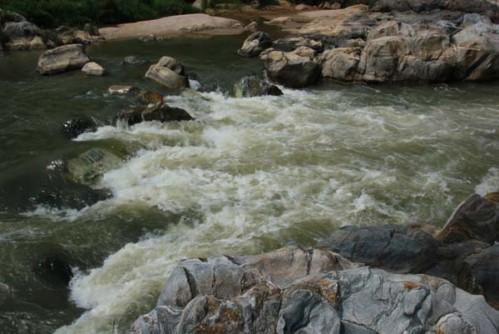 phan tich hinh tuong nguoi lai do song da - Phân tích hình tượng người lái đò sông Đà (Có dàn ý chi tiết)